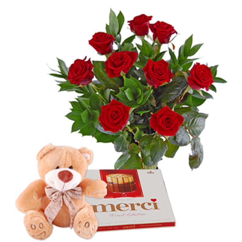 Czerwone róże z czekoladkami i misiem Kwiaty